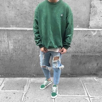 Light Blue Ripped Skinny Jeans Outfits For Men In Their Teens: A green sweatshirt and light blue ripped skinny jeans are a great combo to keep in your off-duty wardrobe. Balance your look with a more sophisticated kind of footwear, such as these green canvas low top sneakers. Laid-back looks for stylish adolescent guys aren't actually that hard, as you can see here.