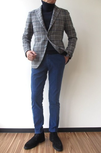 Go for a sophisticated look in a grey plaid wool blazer and navy chinos. A pair of black suede desert boots will seamlessly integrate within a variety of combinations. Nothing like a cool ensemble to spice up a bleak autumn day.