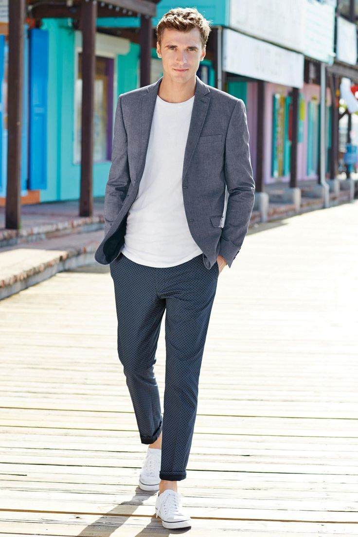 How To Wear Navy Dress Pants With a White Crew-neck T-shirt ...