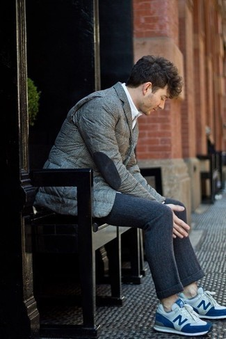 Navy Wool Chinos Outfits: Go for elegant style in a grey quilted blazer and navy wool chinos. If you wish to easily tone down your look with a pair of shoes, why not complete this getup with white and blue athletic shoes?