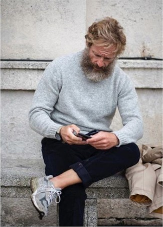 How to Wear a Grey Crew-neck Sweater For Men: A grey crew-neck sweater and navy chinos? This is an easy-to-achieve ensemble that you could rock a version of on a daily basis. If you want to easily play down your look with one piece, complement your look with grey athletic shoes.