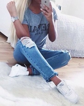 A grey print crew-neck t-shirt and a metallic watch are a perfect combo to be utilised at the weekend. White high top sneakers will contrast beautifully against the rest of the look. You can bet this combination is great when summer settles in.