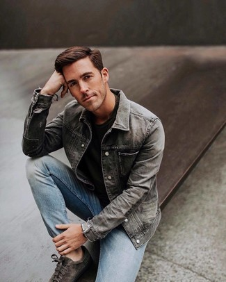 How to wear: grey denim jacket, black crew-neck t-shirt, light blue jeans, charcoal suede low top sneakers