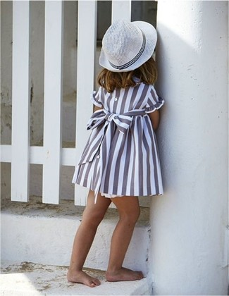How to wear: grey dress, white hat