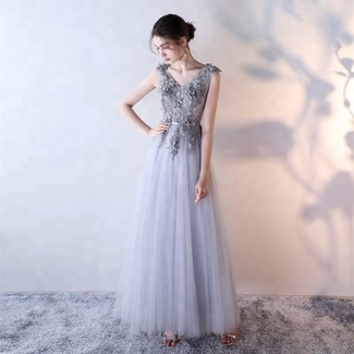 How to wear: grey embroidered tulle evening dress, silver leather heeled sandals