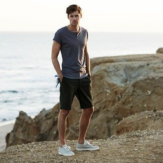 How to Wear Dark Green Shorts In Summer For Men: This combo of a grey henley shirt and dark green shorts is a good look for when it's time to go casual. Our favorite of a myriad of ways to finish off this outfit is a pair of grey canvas low top sneakers. Clearly, it's easier to work through a hot weather day in a light and breezy combination like this one.