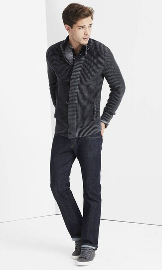 How to Wear a Charcoal Zip Sweater For Men: For a casual outfit, team a charcoal zip sweater with navy jeans — these items go nicely together. Enter a pair of grey leather low top sneakers into the equation et voila, the look is complete.