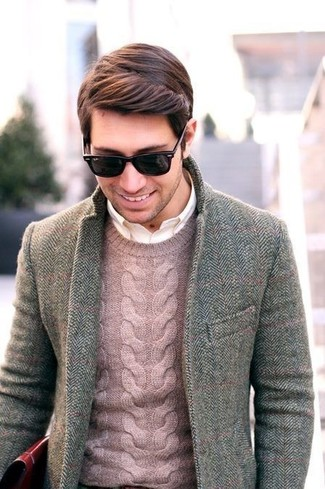 Make a Polo Ralph Lauren men's Cabled Cashmere Crewneck and a grey herringbone blazer your outfit choice if you're going for a neat, stylish look. So when summer is over and autumn is taking over, you'll find this look to be your everything.