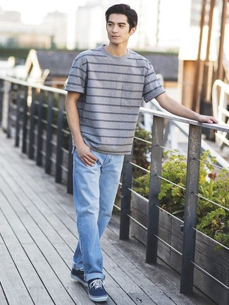 How to wear: grey horizontal striped crew-neck t-shirt, light blue jeans, navy canvas low top sneakers