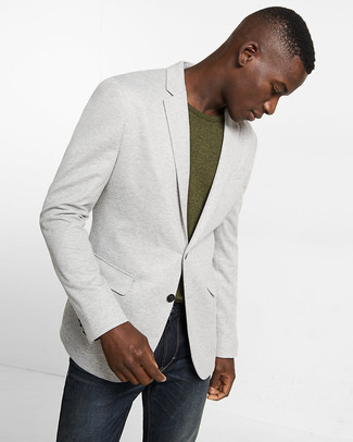 Which T-shirt To Wear With Charcoal Jeans For Men: Go for a pared down yet cool and relaxed choice by opting for a t-shirt and charcoal jeans.