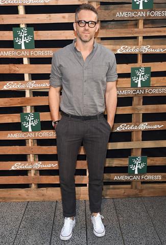 0b344429054e80 Ryan Reynolds wearing Grey Long Sleeve Shirt