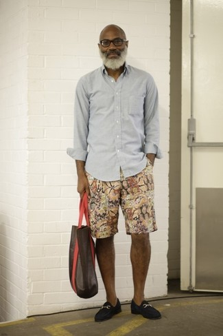 How to wear: grey long sleeve shirt, multi colored print shorts, navy suede loafers, dark brown leather tote bag