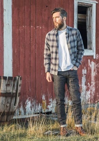 Charcoal Jeans Outfits For Men In Their 30s: A grey plaid long sleeve shirt and charcoal jeans are a wonderful combination worth incorporating into your casual styling rotation. For a truly modern on and off-duty mix, throw in a pair of brown leather casual boots. A no-brainer getup appropriate for over-30 guys who prefer casual clothing.