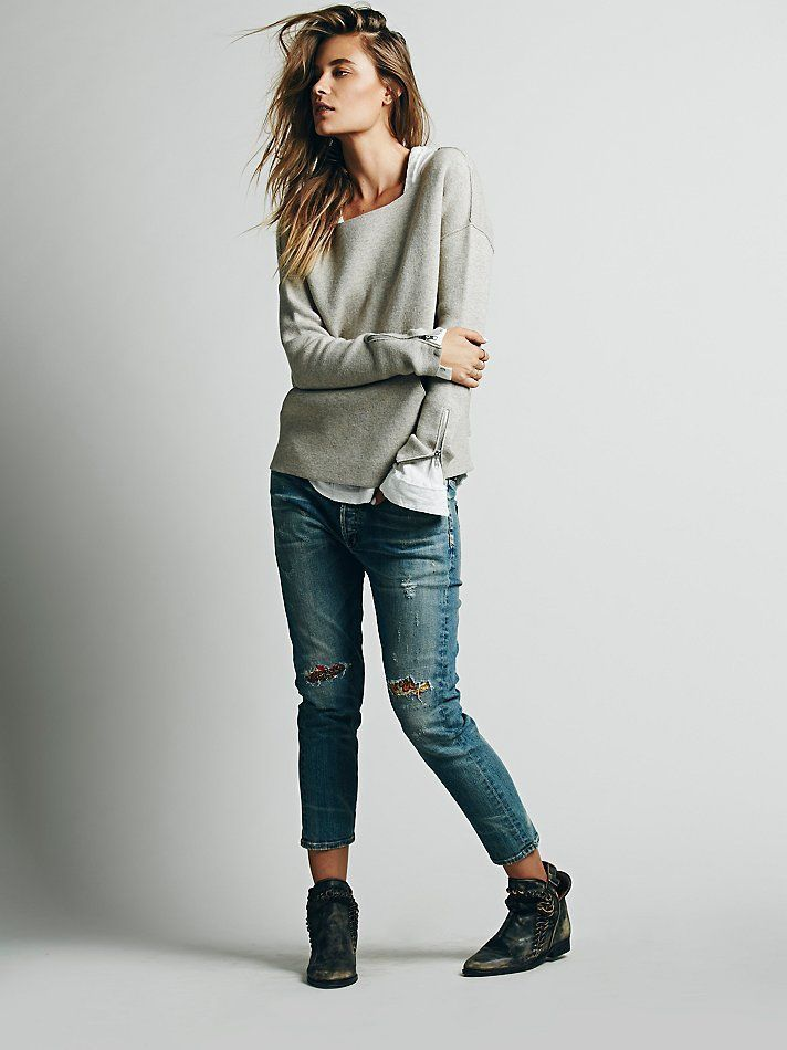 How To Wear Jeans With a White Long Sleeve T-shirt | Women's Fashion