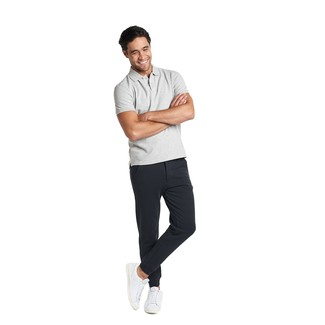 How to Wear Black Sweatpants In Hot Weather Casually For Men: For an off-duty outfit, Pair a grey polo with black sweatpants. Let your outfit coordination credentials really shine by complementing this look with white leather low top sneakers.