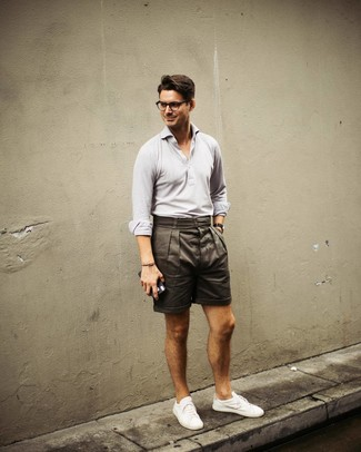 How to wear: grey polo, olive shorts, white low top sneakers