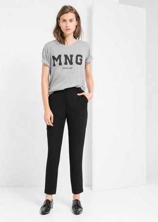 How to Wear Double Monks For Women: Why not consider teaming a grey print crew-neck t-shirt with black tapered pants? As well as totally functional, both pieces look good together. Take an otherwise utilitarian ensemble down a more elegant path by rocking double monks.