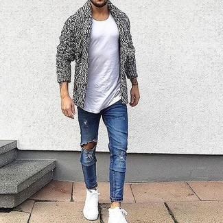 Opt for comfort in a white crew-neck tee and blue distressed slim jeans. Balance this getup with white high top sneakers. So if you're on the hunt for a look that's dapper but also totally spring_friendly, this one fits the task well.