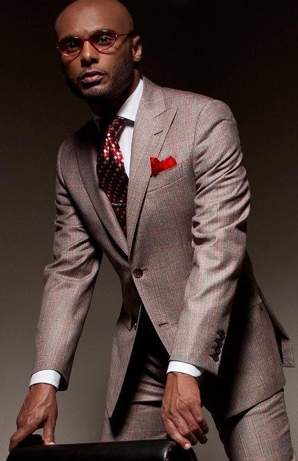 grey suit with red suit la