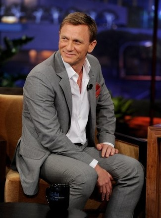 Daniel Craig wearing Grey Suit, White Long Sleeve Shirt, Red Pocket Square