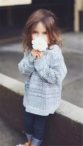 Girls' Looks & Outfits: What To Wear Casually: Suggest that your child wear a grey sweater and navy jeans for an easy to wear, everyday look. As far as footwear is concerned, suggest that your little one throw in a pair of white sandals.