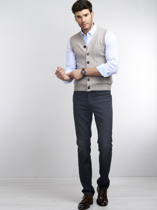 How to Wear a Light Blue Long Sleeve Shirt For Men: Demonstrate your fashionable side by opting for a light blue long sleeve shirt and navy jeans. Puzzled as to how to round off this outfit? Wear a pair of dark brown leather brogues to rev up the fashion factor.