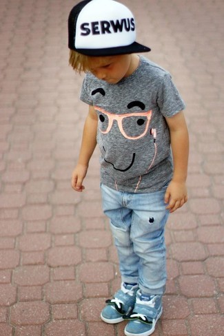 How to Wear a Grey Print T-shirt For Boys: This combo of a grey print t-shirt and light blue jeans is both a comfortable and stylish choice for your little one. This ensemble is complemented really well with light blue sneakers.