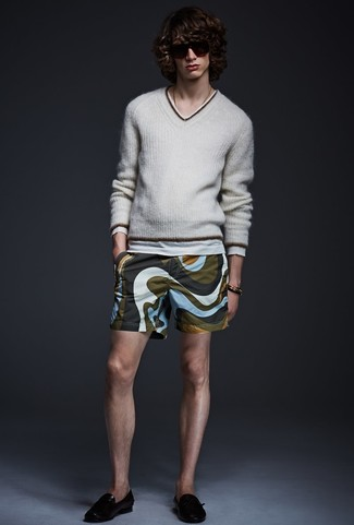 How to wear: grey v-neck sweater, olive print shorts, black leather loafers