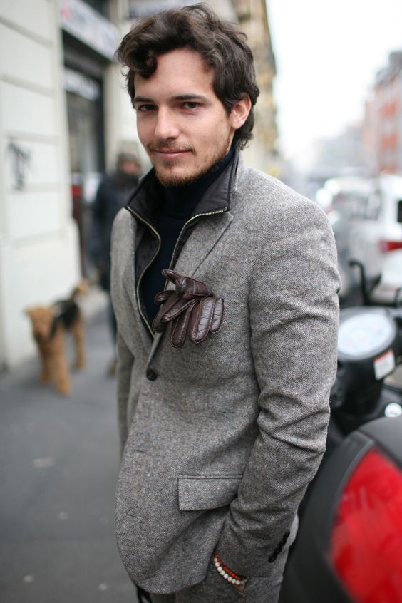 1f0556c6b3e6 How to wear: grey wool suit, black turtleneck, dark brown leather gloves