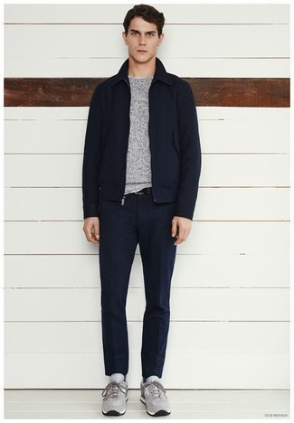 Navy Harrington Jacket Outfits: A navy harrington jacket and navy dress pants are among the unshakeable foundations of any well-balanced wardrobe. Grey athletic shoes will offer ease, but with a fashion-forward effect.