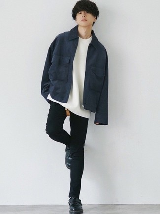 Navy Harrington Jacket Outfits: This is undeniable proof that a navy harrington jacket and black skinny jeans look amazing when worn together in a relaxed casual look. You could perhaps get a little creative in the shoe department and dress up your look by slipping into black leather derby shoes.