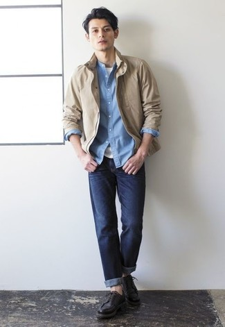 How to Wear Black Leather Derby Shoes: Get into get-things-done mode in this practical combo of a tan harrington jacket and navy jeans. And if you wish to effortlesslly level up this look with one item, add black leather derby shoes to the mix.