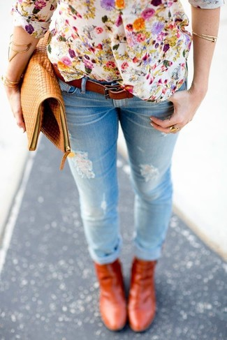 How to wear: white floral henley shirt, light blue ripped skinny jeans, tobacco leather ankle boots, tan leather clutch