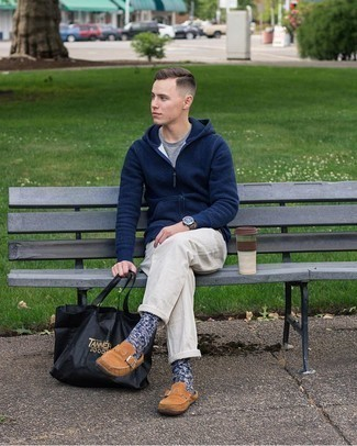 Navy Hoodie Outfits For Men: A navy hoodie and white chinos worn together are a perfect match. And if you want to immediately up the style ante of your look with one single item, introduce a pair of brown suede loafers to the equation.
