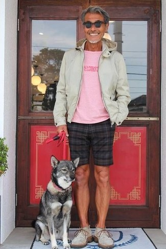 How to wear: beige hoodie, pink print crew-neck t-shirt, black check shorts, grey suede desert boots