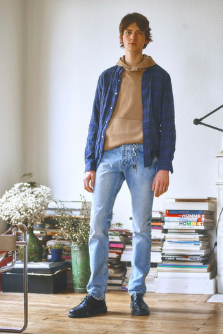 500+ Outfits For Men In Their Teens: A tan hoodie and light blue jeans are a good combination to add to your casual styling arsenal. To bring a little flair to your outfit, add a pair of black leather derby shoes to your outfit. As you're progressing through your adolescence, you probably want to start dressing more like a grown-up. If that's the case, outfits like this are perfect as inspiration.