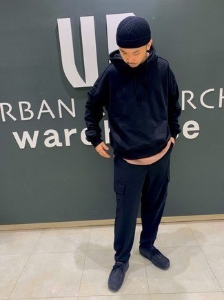 Navy Hoodie Outfits For Men: A navy hoodie looks so cool and casual when married with navy cargo pants. A pair of navy suede desert boots easily bumps up the classy factor of any ensemble.