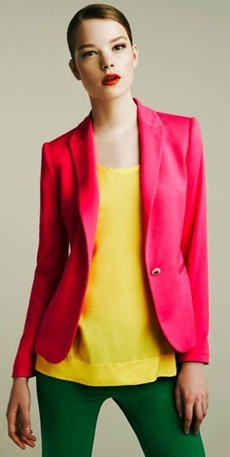 How to Wear a Hot Pink Blazer For Women: This combo of a hot pink blazer and green skinny pants is chic and yet it looks relaxed and ready for anything.