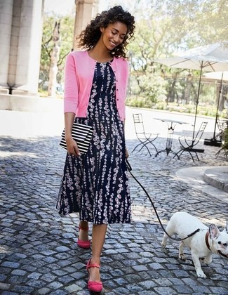 Hot Pink Cardigan Outfits For Women: A hot pink cardigan and a navy floral midi dress are a savvy combination to add to your daily off-duty lineup. When in doubt as to the footwear, introduce hot pink suede pumps to the mix.
