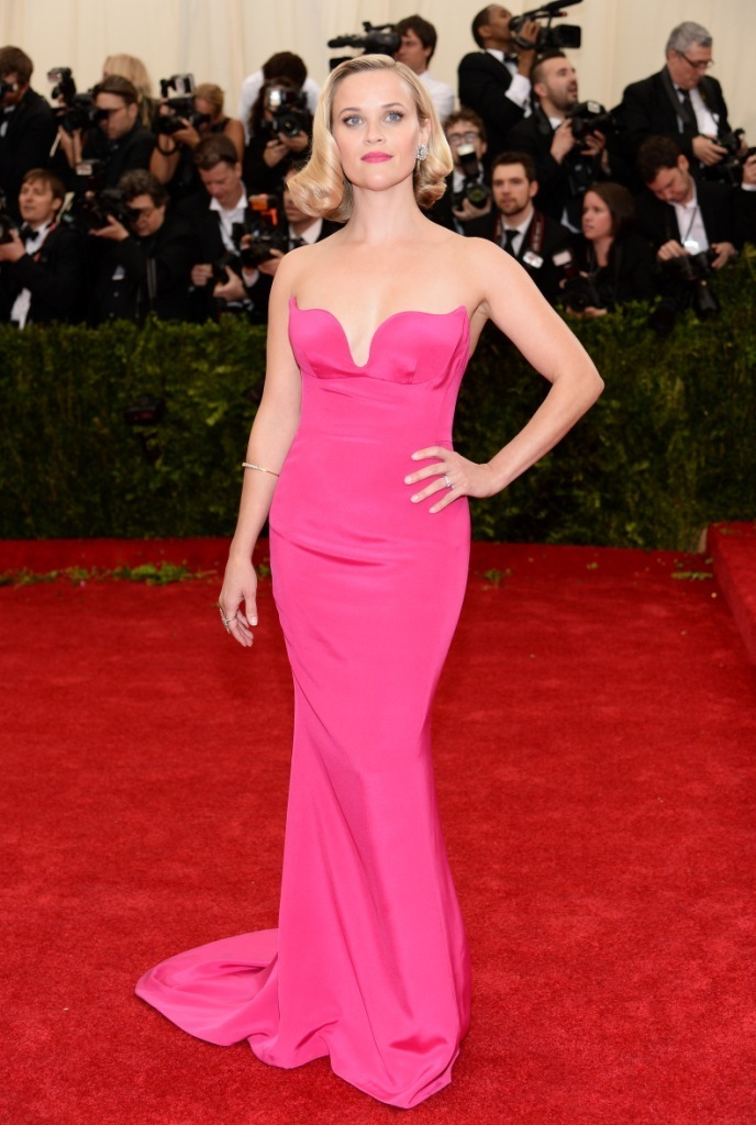 How to Wear a Hot Pink Evening Dress (17 looks) | Women\'s Fashion