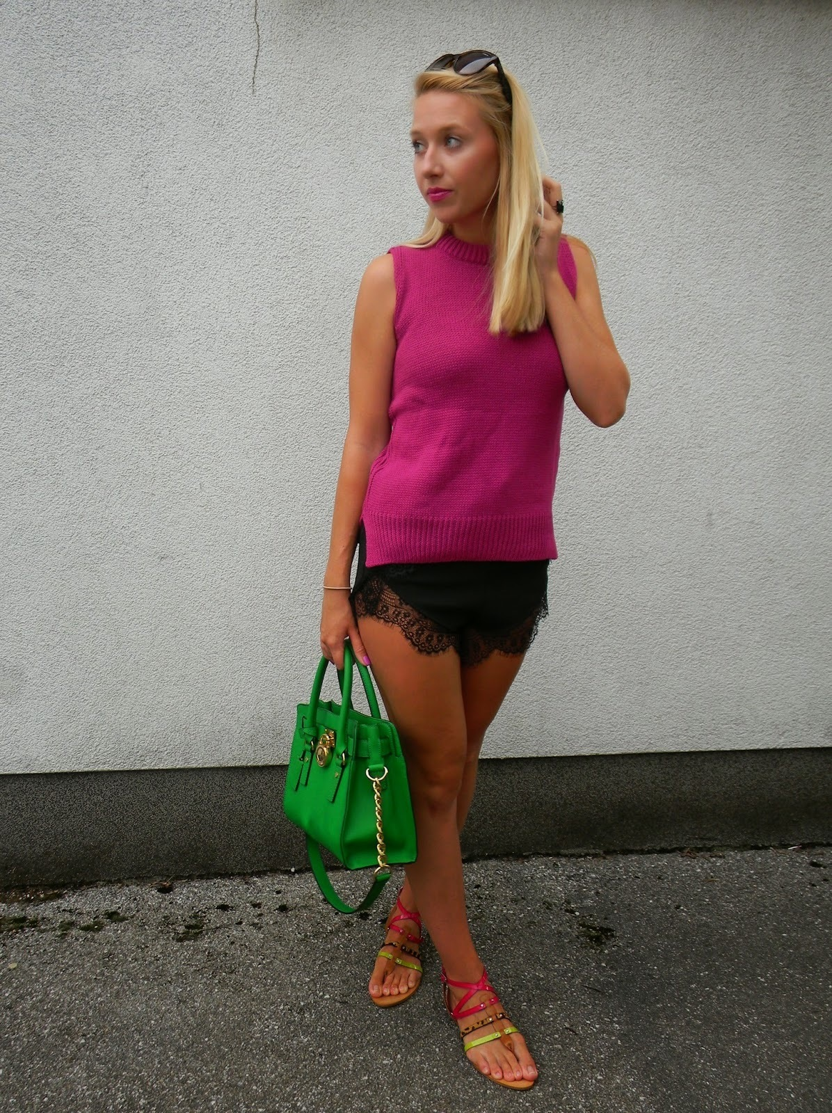How to pink a hot wear top
