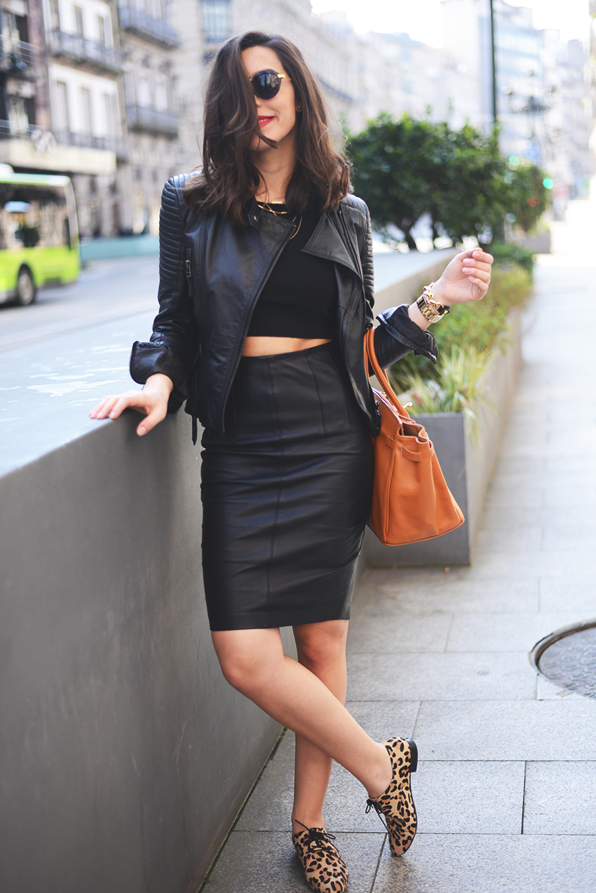 Black Leather Pencil Skirt | Women's Fashion
