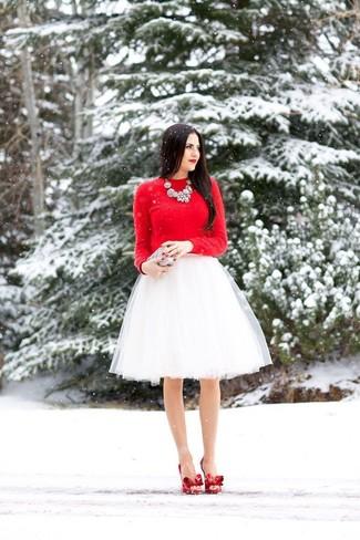 3bdca882e Look de moda: Jersey con cuello circular rojo, Falda campana de tul ...