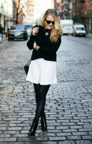 Vestido blanco con mallas negras