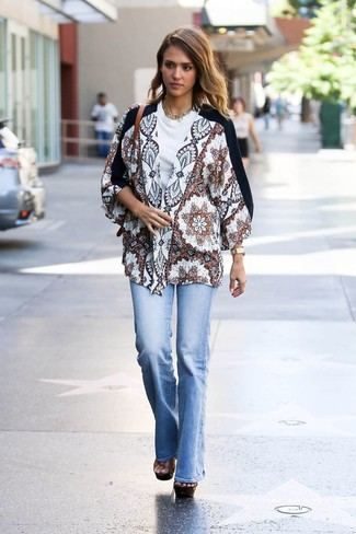 How to wear: white print kimono, white crew-neck t-shirt, light blue flare jeans, brown chunky leather heeled sandals