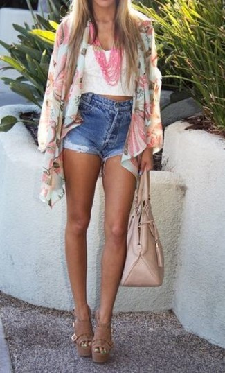 How to wear: white floral kimono, white lace cropped top, blue denim shorts, brown leather heeled sandals