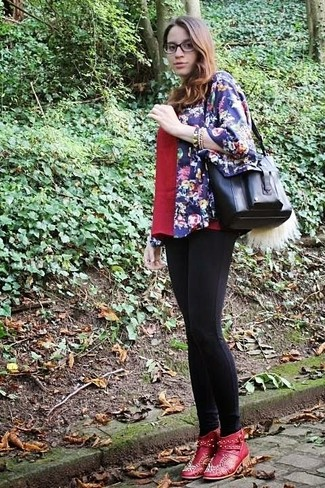 How to wear: navy floral kimono, red v-neck t-shirt, black leggings, red embellished leather ankle boots
