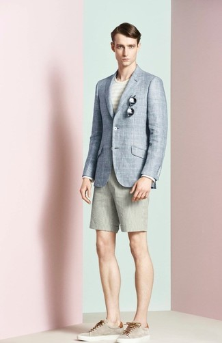 How to wear: light blue plaid blazer, beige horizontal striped crew-neck t-shirt, beige seersucker shorts, beige suede low top sneakers