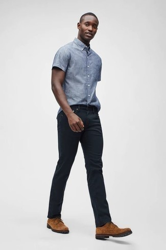 How to Wear Black Jeans For Men: Why not dress in a light blue chambray short sleeve shirt and black jeans? These two pieces are totally comfortable and will look nice combined together. To introduce a little fanciness to this look, add a pair of tobacco suede derby shoes.