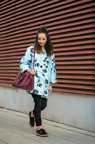 If you're searching for a casual yet stylish getup, dress in a light blue floral coat and black jeans. Both items are totally comfy and will look fabulous together. Sporting a pair of black leather oxford shoes is a simple way to add some flair to your look.
